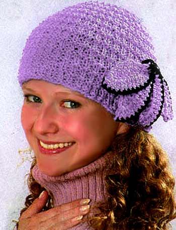 связать женскую шапку